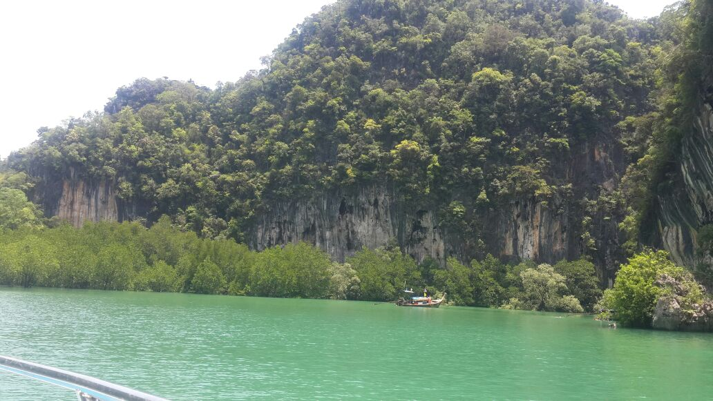 1 day tour to hong islands - view